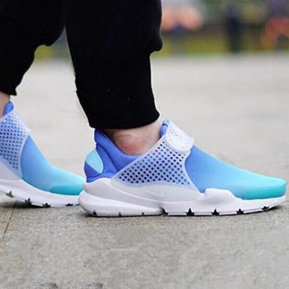 Nike 8 Womens Sock Dart Blue Gradient Slip On NEW d58165719b475